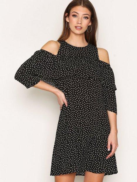 Billede af Y.A.S Yasabby Frill Dress Loose fit dresses Sort