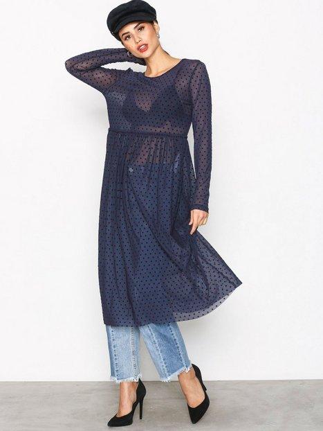 c5794d06a8ad Hitta bästa priserna på Långärmade klänningar och få cashback ...