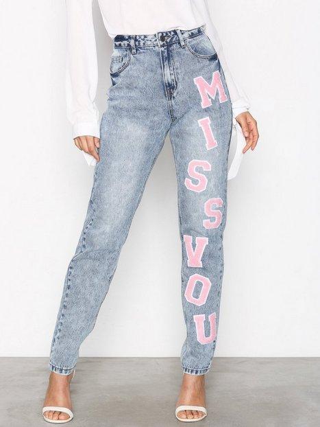Billede af Noisy May Nmdonna Hw Mom Patch Jeans 1 Loose fit Lyse Blå