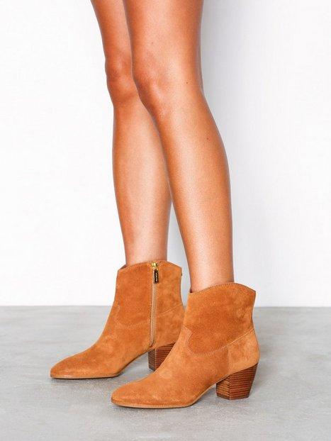 Michael Michael Kors Avery Ankle Boot Heel Acorn