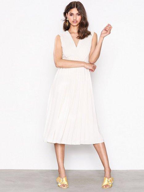 Billede af Selected Femme Sfsvenja Sl Pleated Dress Loose fit dresses Lysegrå
