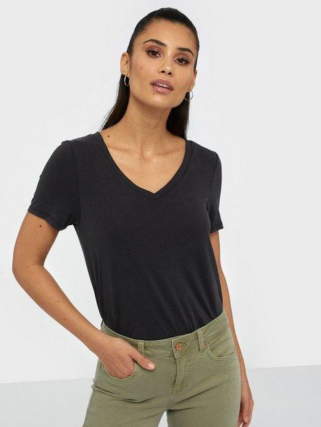 Billede af Noisy May Nmallen S/S V-Neck Top Noos T-shirt Sort