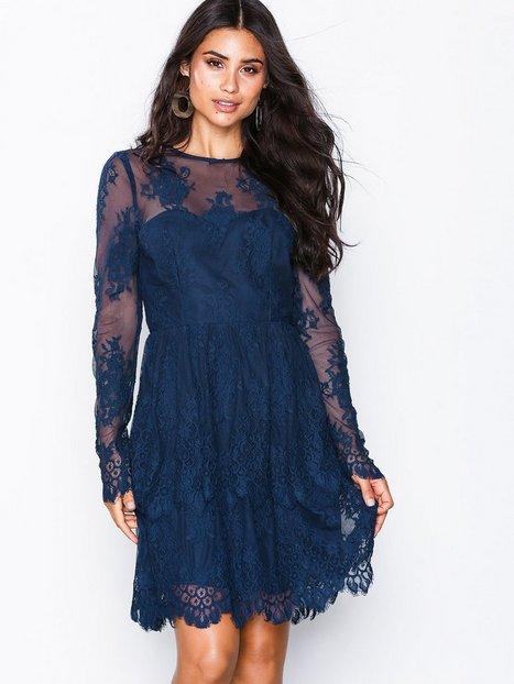 17158c7e46a2 By Malina Annie mini dress Skater kjoler