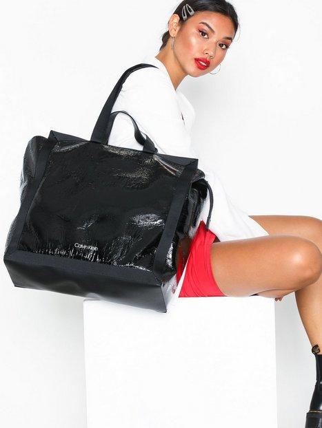 Calvin Klein Outline Market Shopper Weekendtaske Sort
