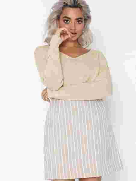 674255d45c0 Shiny Linen V - Neck - Filippa K - Sahara - Jumpers & Cardigans ...