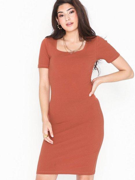 Billede af Pieces Pcsalla Ss Midi Dress D2D Tætsiddende kjoler
