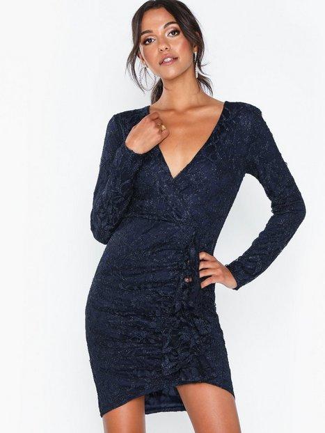Billede af NLY Eve Wrap Lace Dress Tætsiddende kjoler