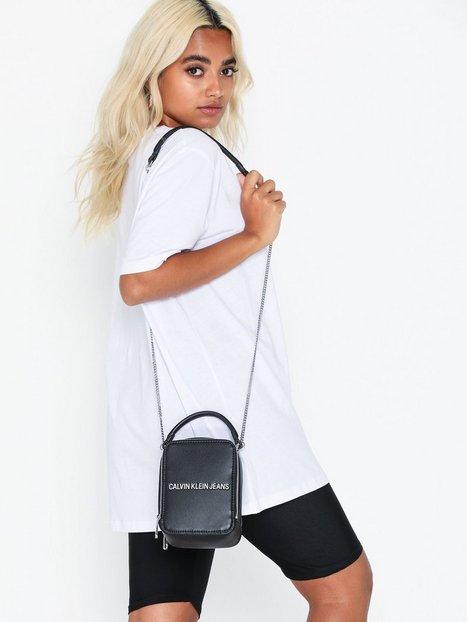 Calvin Klein Jeans Sculpted Ns Camera Bag Axelremsväskor