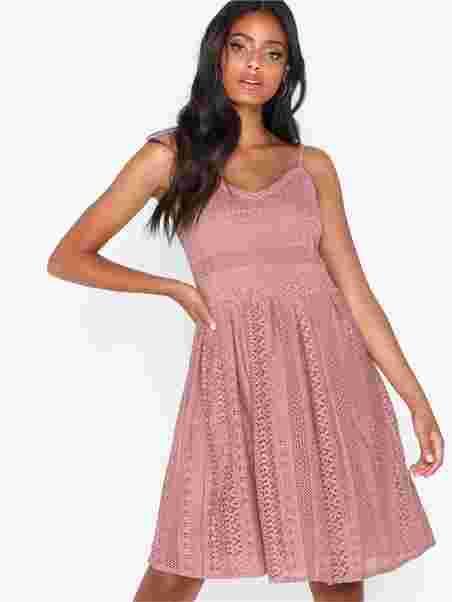 b6a10399 Vmhoney Lace Pleated Singlet Dress - Vero Moda - Pink - Dresses ...