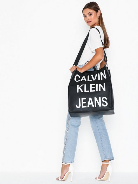 Calvin Klein Jeans Coated Logo Shopper Tote Weekendbags