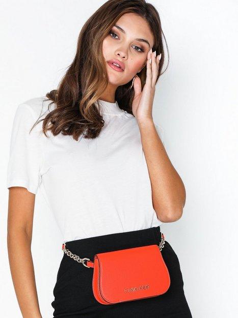 Calvin Klein Dressed Up Beltbag Axelremsväskor