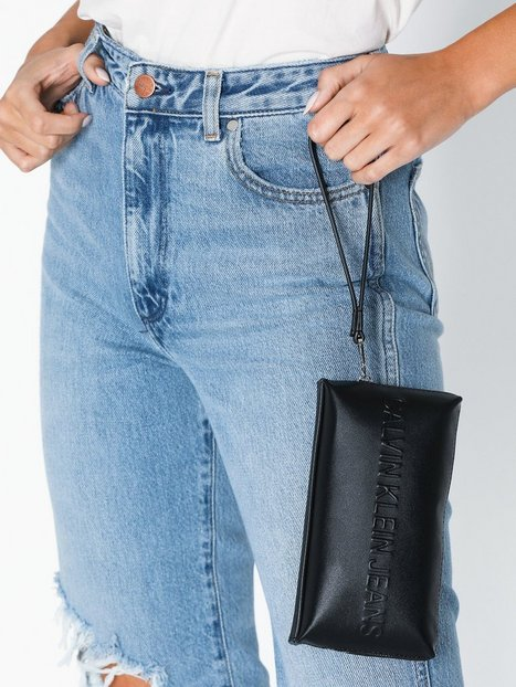 Calvin Klein Jeans Box Wristlet Kuvertväskor