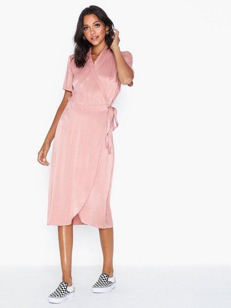 Billede af Pieces Pcjean Ss Wrap Dress Loose fit dresses