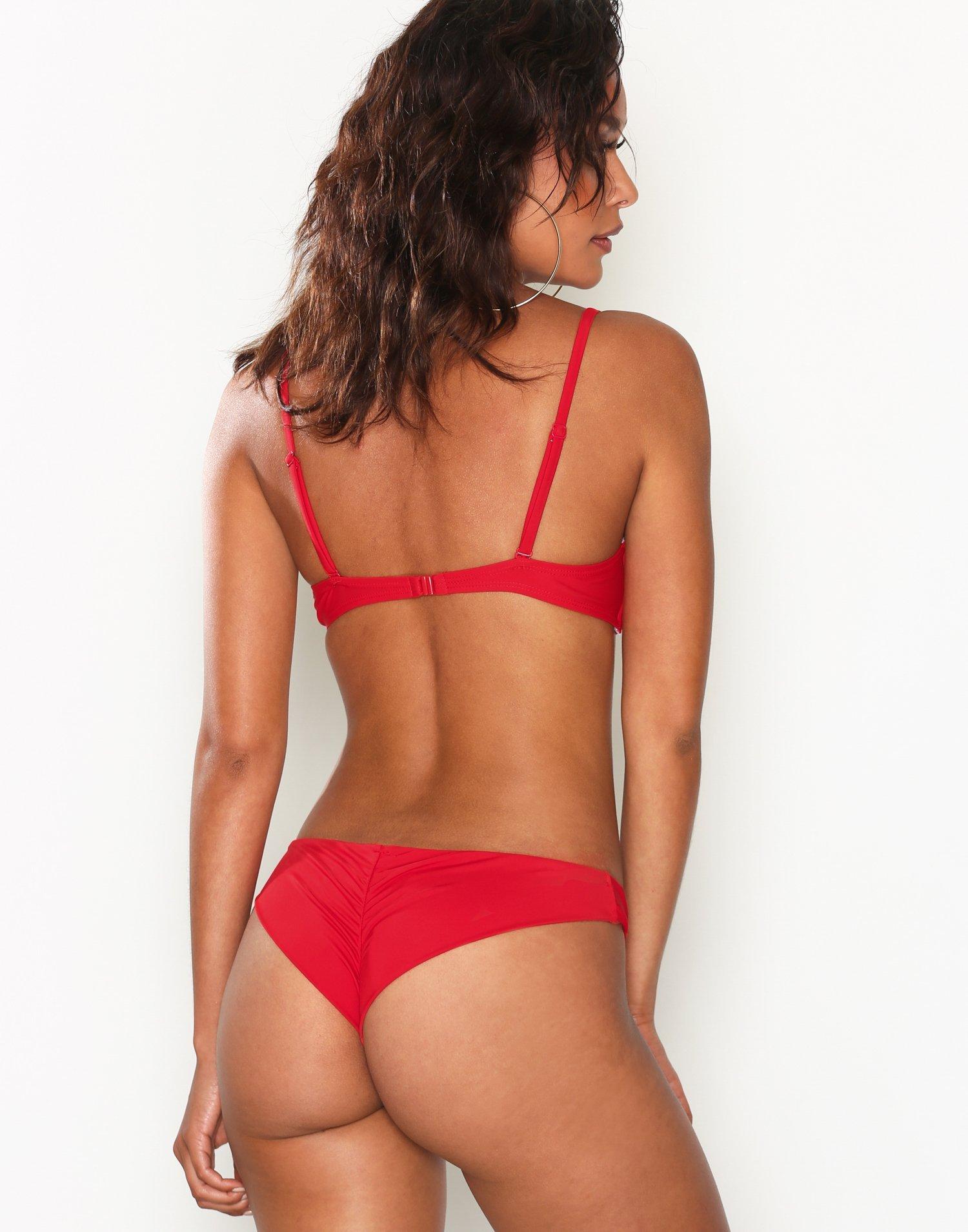 Nelly Bikini
