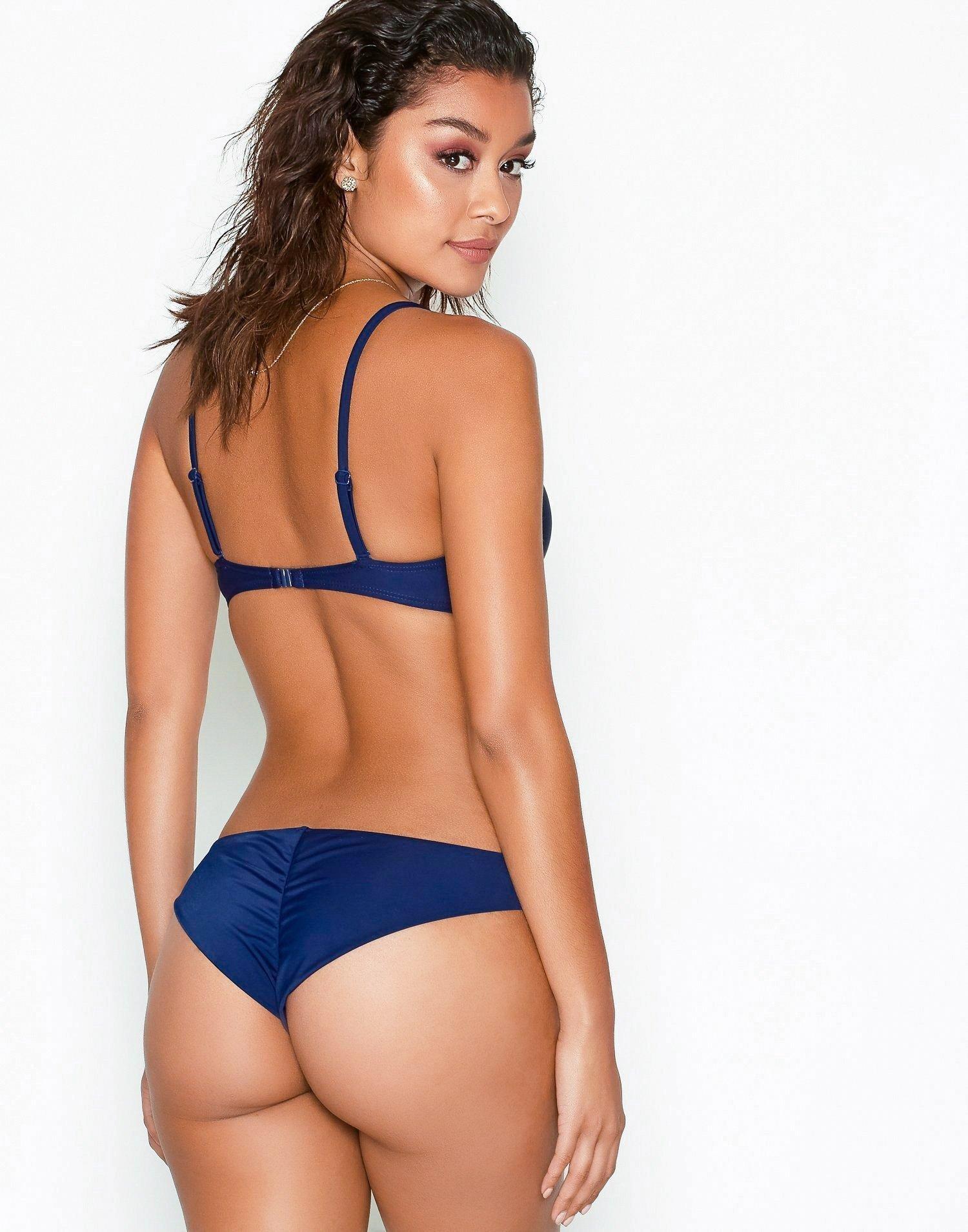 string bikini nelly