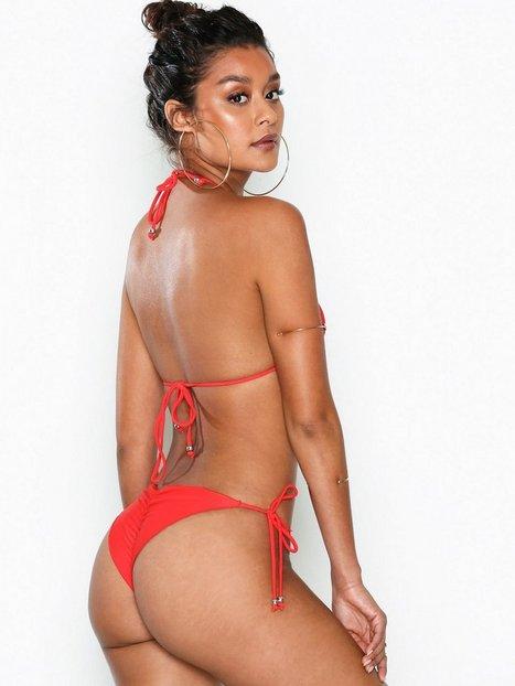 Billede af NLY Beach Ruffle Brazilian Panty Bikinier Rød