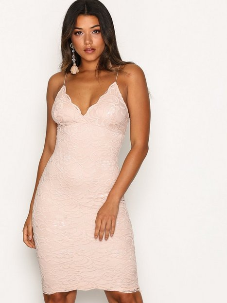 NLY One Scallop Lace Midi Bodycon Fodralklänningar Blush thumbnail