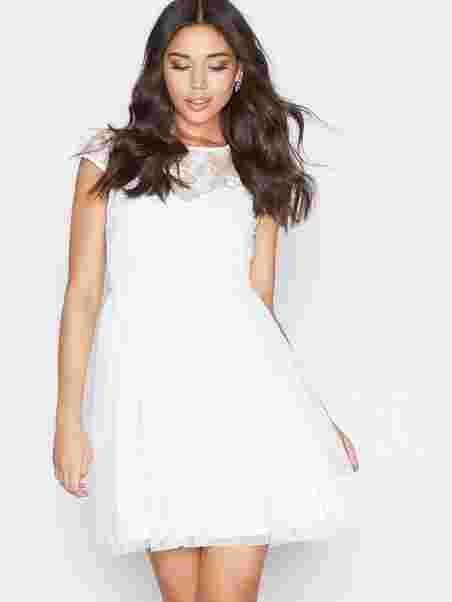 Follow Me Lace Dress - Nly One - Valkoinen - Juhlamekot - Vaatteet ... 8a8eee280e