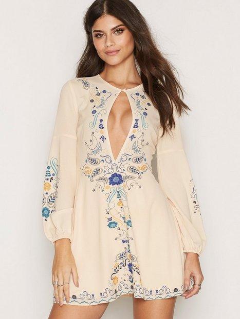 Billede af Kiss The Sky Harvest Moon Dress Langærmet kjole Cream