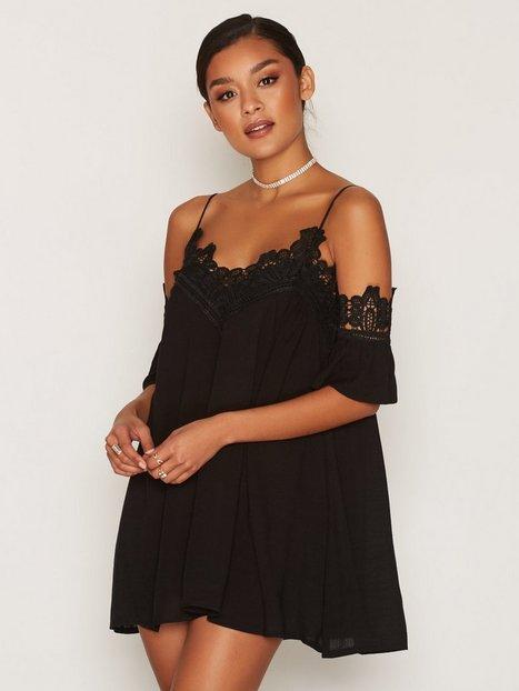 Billede af Kiss The Sky Angel Heart Dress Loose fit dresses Black