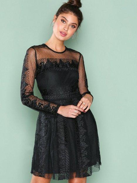 Billede af NLY Trend Expose Me Dress Skater kjoler Sort