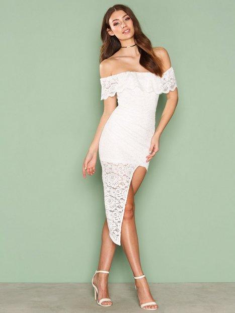 Billede af Love Triangle Off Shoulder Lace Dress Kropsnære kjoler White
