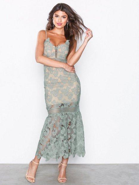 Hyper Romance Dress