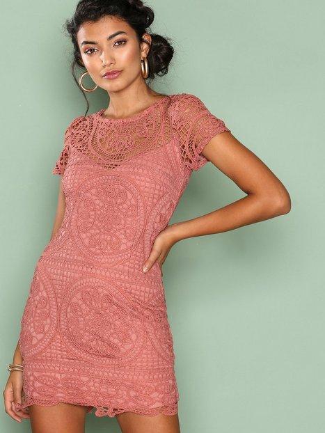 Billede af Love Triangle Amalfi Lace Mini Dress Kropsnære kjoler Dark Rose