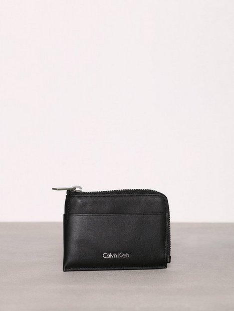 Billede af Calvin Klein Sarah Pouch Card Holder Kortholder Sort