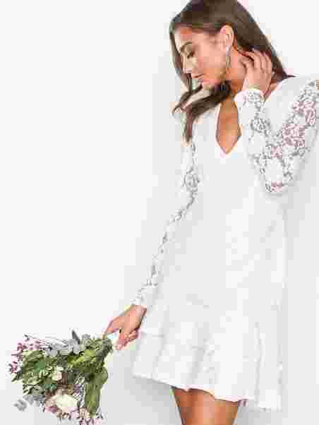 Ls Frill Lace Dress - Nly One - Hvid - Festkjoler - Tøj - Kvinde ... 5088184bd3038