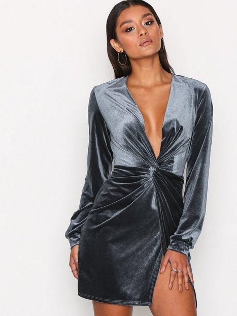 Billede af NLY One Thigh Slit Oversize Dress Loose fit Grå