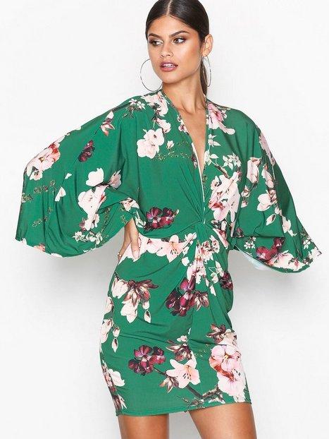 Billede af NLY One Kimono Print Dress Loose fit Grøn