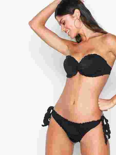 4baea0f1d83bb Ruffle Bandeau Top - Nly Beach - Black - Bikinis - Swimwear - Women ...