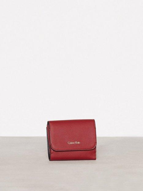 Billede af Calvin Klein Metropolitan Medium Wallet Pung Rød/Rosa