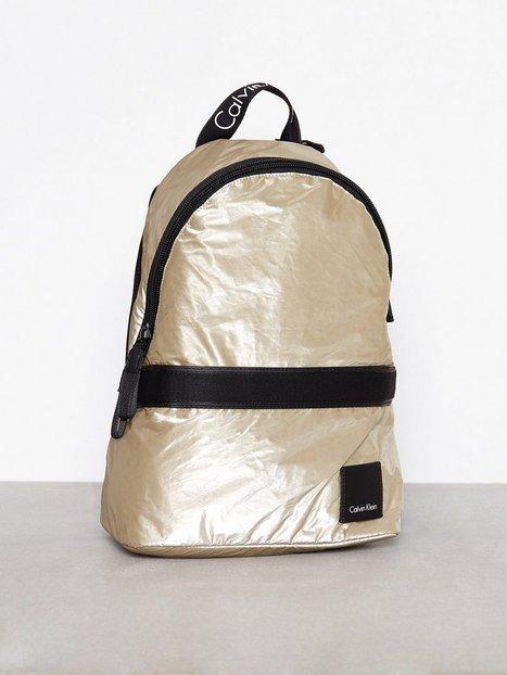 Billede af Calvin Klein Fluid Backpack Metalic Rygsæk Guld