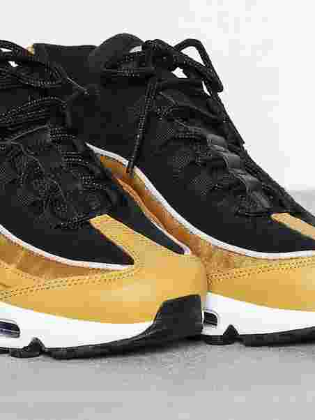 quality design 4342e 34e60 Air Max 95 LX. Nike