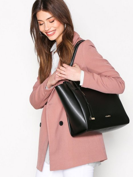 Calvin Klein Frame Large Shopper Handväskor Svart