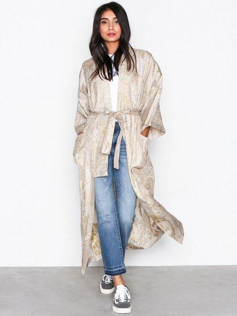 Billede af Gestuz Page kimono Frakker Golden