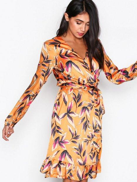 Billede af Gestuz Orangina wrap dress Skater dresses Orange