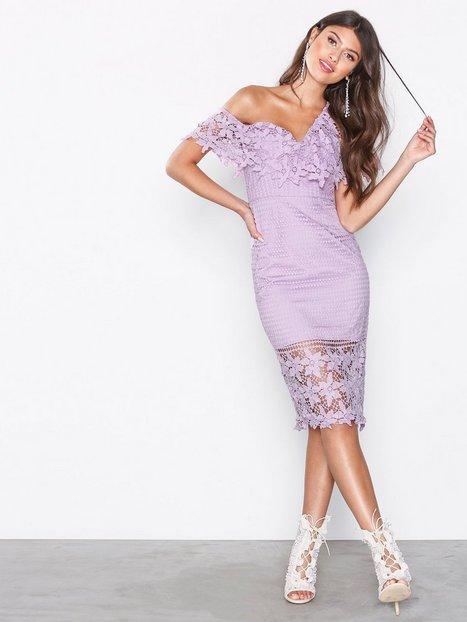 Billede af Love Triangle Botanical Wonder Off Shoulder Midi Dress Kropsnære kjoler Lilla