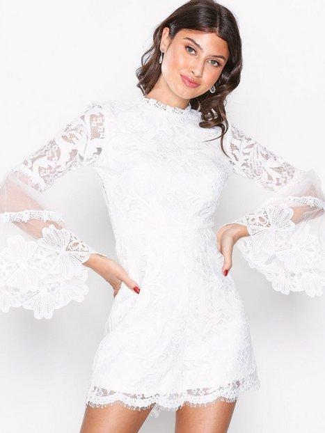 Billede af Love Triangle Victoriana L/S Lace Playsuit Playsuits Hvid