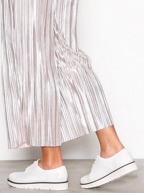 Billede af Bianco Laced Up Shoe Flat Hvid