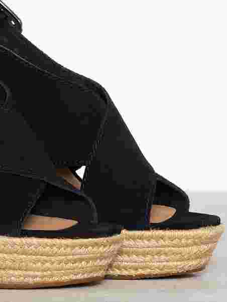 0aec3b39248 W Harlow - Ugg - Black - Heels - Shoes - Women - Nelly.com
