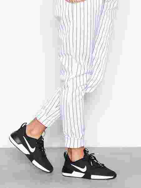 a95bc985ef16 Ashin Modern - Nike - Black White - Sneakers - Shoes - Women - Nelly.com