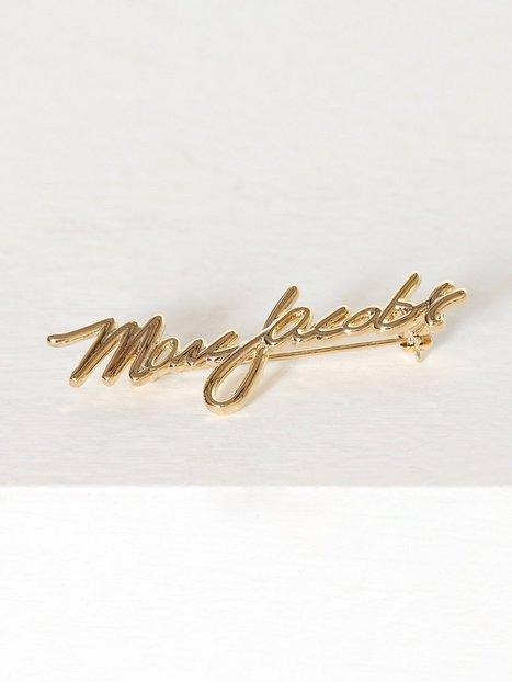 Billede af Marc Jacobs Signature Logo Brooch Øvrigt smykke Guld
