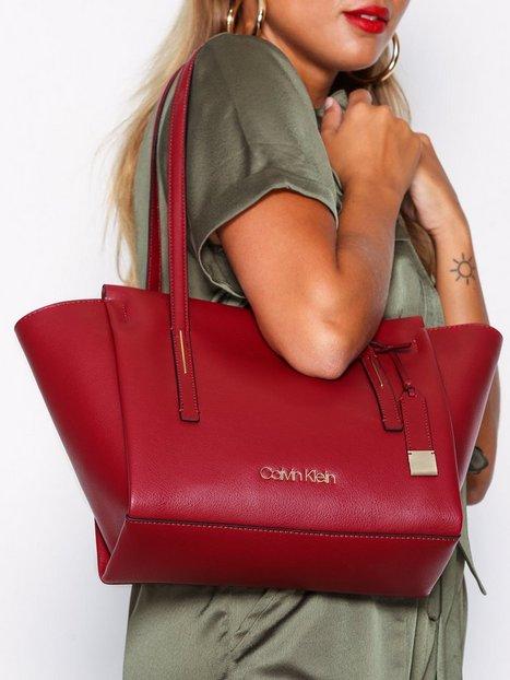 Calvin Klein Frame Med Shopper Handväskor Röd
