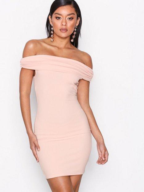 Billede af NLY One Bare Shoulder Dress Kropsnære kjoler Lys Rosa