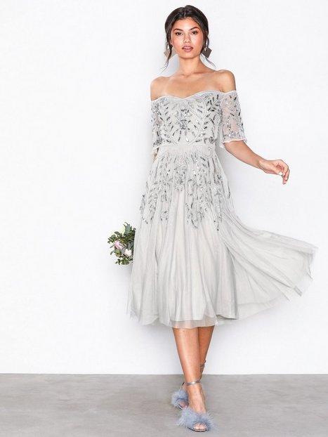 Billede af Maya Embellished Bardot Midi Dress Pailletkjoler Grey