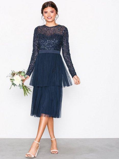 Billede af Maya Delicate Sequin Tiered Midi Dress Pailletkjoler