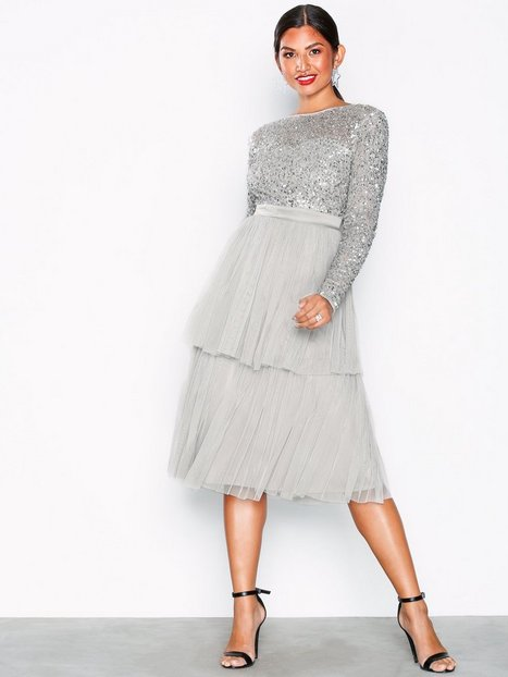 Billede af Maya Delicate Sequin Tiered Midi Dress Pailletkjoler Light Grey